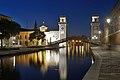 Arsenale ingresso Venezia notte.jpg