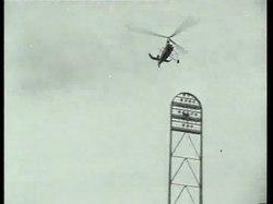Een autogiro landt bijna verticaal in het Olympisch stadion in 1934