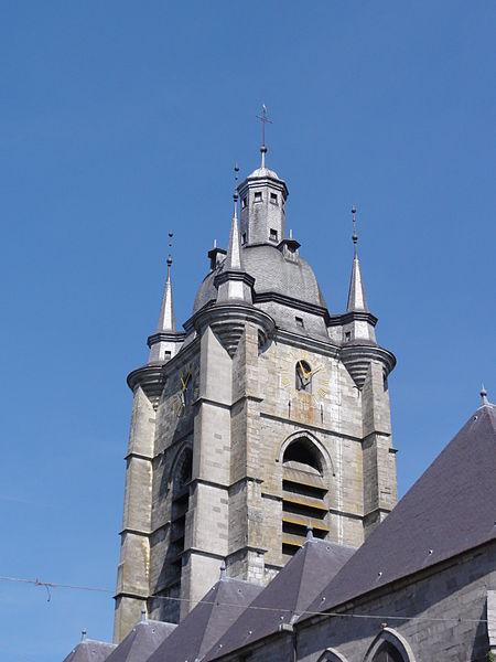 Avesnes-sur-Helpe (Nord, Fr) la collegiale, tour vue du sud