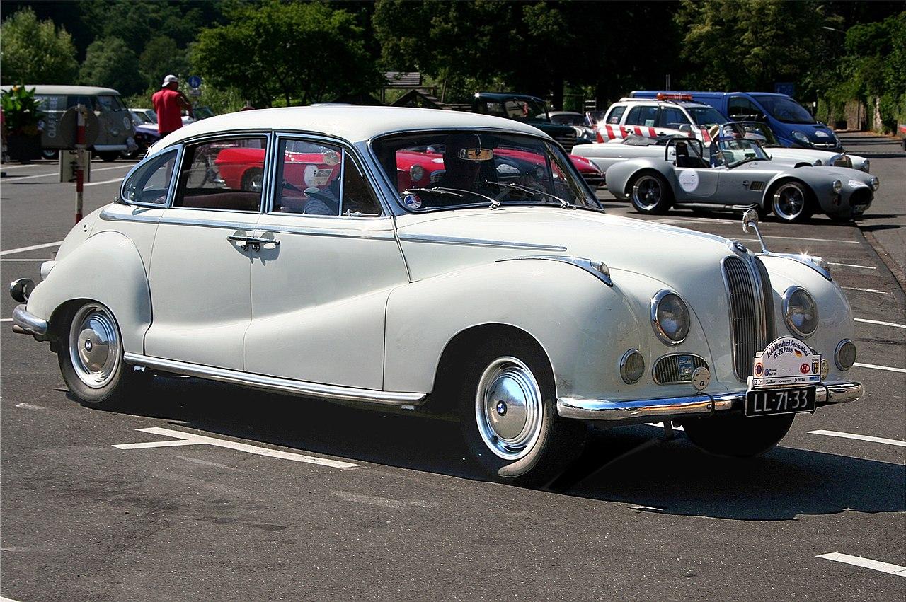 1280px-BMW_3200_L%2C_Bj._1962.jpg