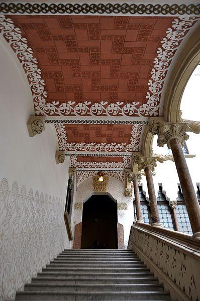 File:Barcelona (Passeig de Sant Joan). Macaya House (Casa Macaya). 1898-1901 Josep Puig i Cadafalch, architect (27671427231).jpg