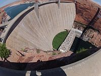 Barrage de Glen Canyon.jpg