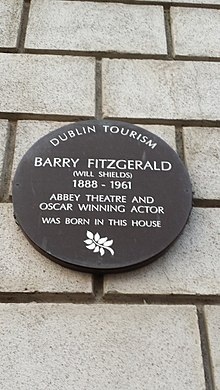 Barry Fitzgerald (here-was-born plaque).jpg