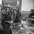 Bazar w małym miasteczku, stoisko kowalskie - na trasie Aśkale-Trapezunt - 001029n.jpg