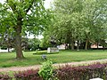 Beeldhouwwerk bij park in Oppem II.jpg