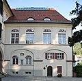 Belruptstraße 37 Hauptschule 8.jpg