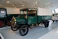 Benz 3-Tonnen Lastwagen 1912 LSideFront MBMuse 9June2013 (14960662116).jpg