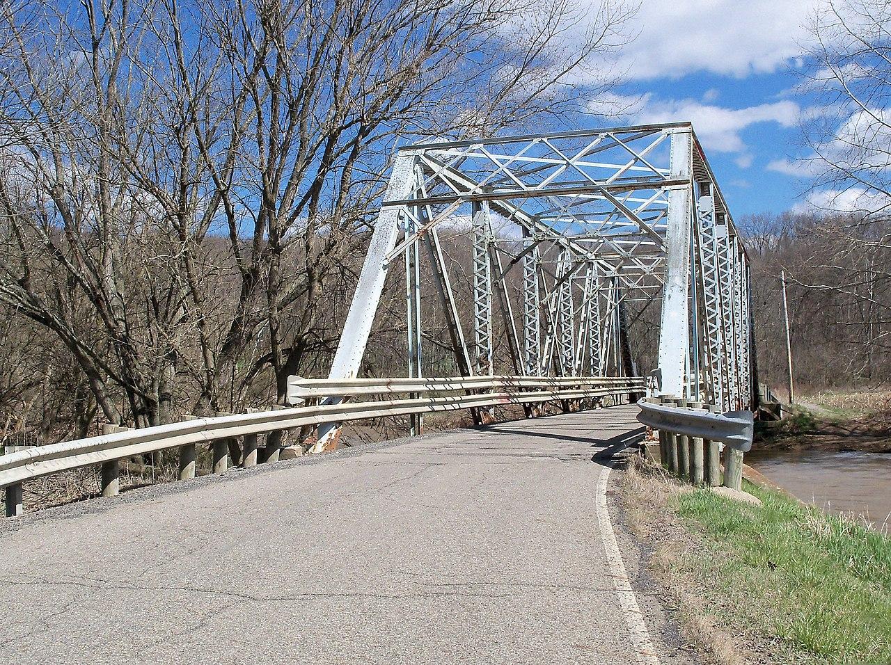 Ohio jefferson county bergholz - One Lane Bridge Over Yellow Creek On County Road 53