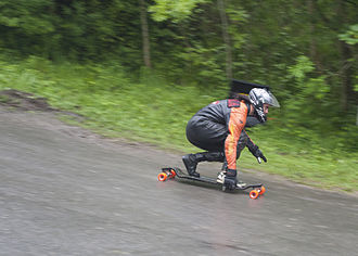 Longboarding - Wet weather freeride downhill on a Landyachtz Evo longboard, Bo Peep hill, UK, 2012