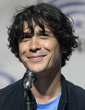 Bob Morley - Bob Morley speaking at the 2016 WonderCon in Los Angeles, California.