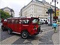 Bratysława - czerwony autobus - panoramio.jpg