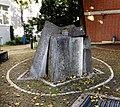 Brunnen Loristr6 München.jpg