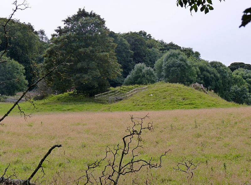 File:Bryn-yr-Hen-Bobl Burial Chamber, Plas Newydd, Anglesey.jpg