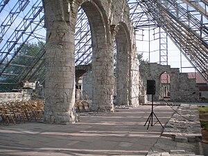Cathedral Ruins in Hamar - Image: Buer domkirken 2