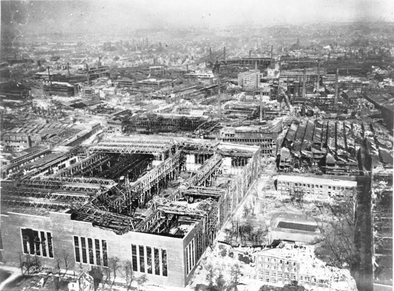 Bundesarchiv Bild 146-941, Essen, zerst%C3%B6rte Krupp-Werke, Luftaufnahme