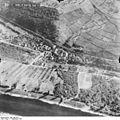 Bundesarchiv Bild 195-2312, Rheinbefliegung, Klein-Kembs.jpg