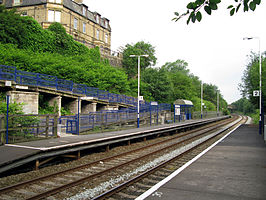 Burnley Manchester Road railway station in 2008.jpg