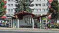Bus stop Arnoldstein 02.jpg