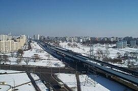 Просмотров: 136.  0. 12 ноября 2012.  Вид на станцию Бунинская аллея Бутовской линии лёгкого метро.