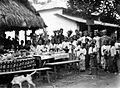 COLLECTIE TROPENMUSEUM Feestmaal ter gelegenheid van een huwelijksfeest te Tejakula Bali TMnr 10003363.jpg