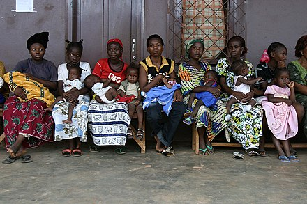 Mothers and babies aged between 0 and 5 years are lining up in a Health Post at Begoua, a district of Bangui, waiting for the two drops of the oral polio vaccine. Caf babies.jpg