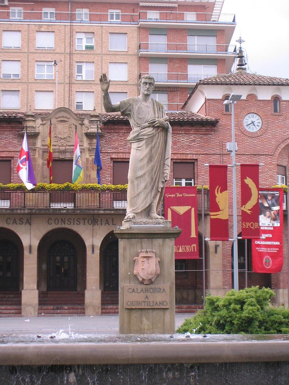 Calahorra, estatua de Quintiliano