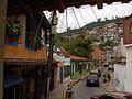 Calle y barrio al fondo.jpg