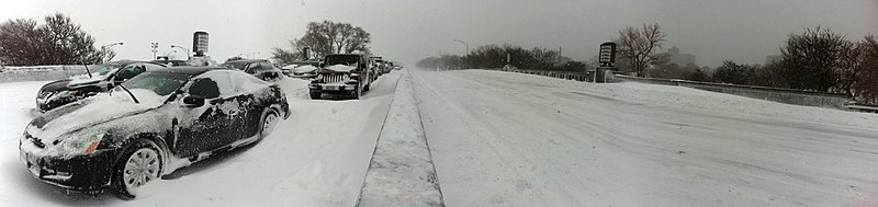File:Cars stuck on Lake Shore Drive panorama Chicago Feb 2 2011 storm.JPG