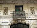 Casa Jeroni Juncadella, balcó i ornaments.jpg