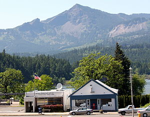 Cascade Locks, Oregon - Post office in Cascade Locks, Oregon, with the Columbia River in the background