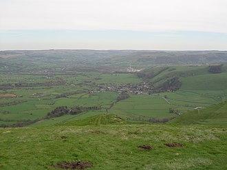 Mam Tor - Image: Castleton from Mam Tor