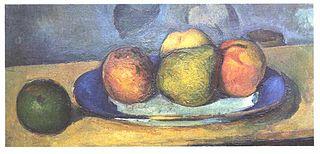 Assiette à bord bleu et fruits