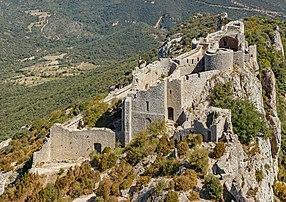 Le château de Peyrepertuse (Occitanie). (définition réelle 5554×3921)