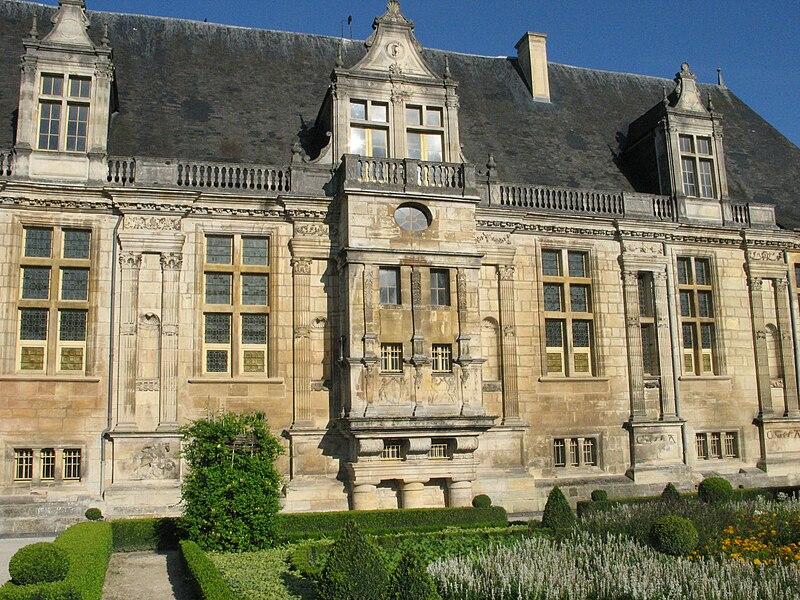 Château du Grand Jardin, façade est. Joinville, Haute-Marne, France.