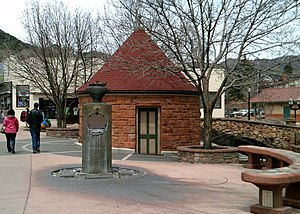 Manitou Mineral Springs - Cheyenne Spring House, Manitou Avenue