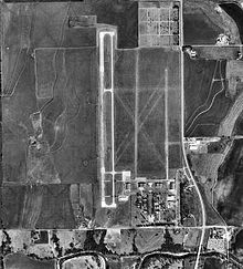 Chickasaw Municipal Airport-OK-19Feb1995-USGS.jpg