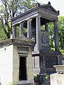 Cimetière du Père-Lachaise - Tombeau de la famille de Plaisance -1.JPG