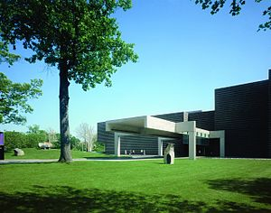 Cleveland Museum of Art - Northern entrance, showing the 1971 addition designed by Marcel Breuer.
