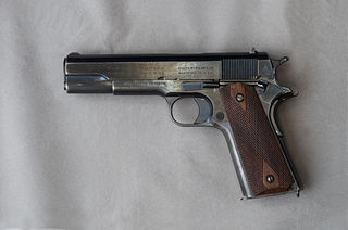 Semi-automatic pistol type of pistol