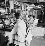 Combat Information Center of USS Spruance (DD-963), in 1975 (USN 1162165).jpg