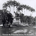 Conde de Agrolongo - Estátua Eqüestre do Duque de Caxias no Largo do Machad, ca. 1910.jpg
