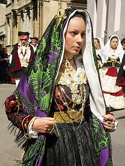 Costume di maracalagonis.jpg