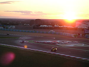 Bol d'Or - 24 hours of endurance racing on a tough track: the 'Bol d'Or'