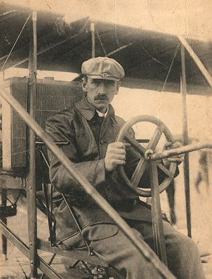 Gordon Bennett Trophy (aeroplanes) - Glenn Curtiss in his Curtiss No. 2 aircraft