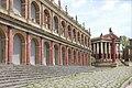 Décors pour la Rome de César (Cinecittà) (5856288300).jpg