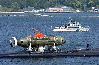 Deep-submergence rescue vehicle
