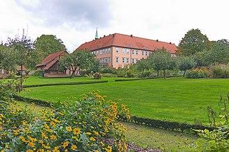 Hankensbüttel - Image: Der Garten des Kloster Isenhagen (Hankensbüttel) IMG 9176