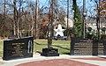 Desmond Doss Memorial - panoramio.jpg