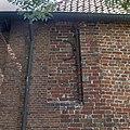 Detail oostgevel, dichtgemaakt venster met muuranker - Meedhuizen - 20372741 - RCE.jpg