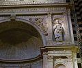 Detall de l'altar Piccolomini, catedral de Siena.JPG